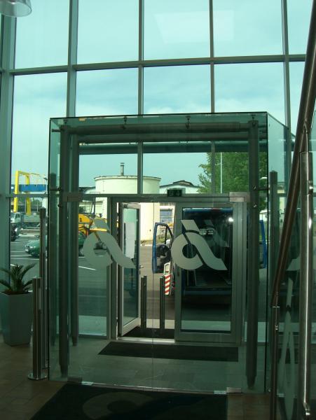 Ganzglasanlagen von der Glaserei Reiterer GmbH in Ternitz